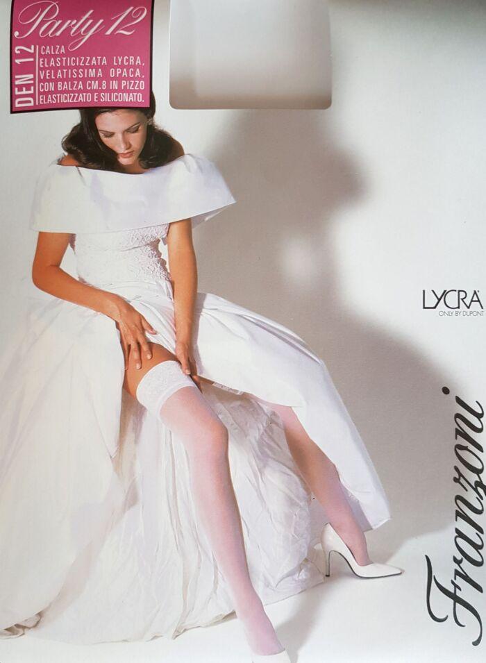 bele-smetana-samostojece-nogavice-12den