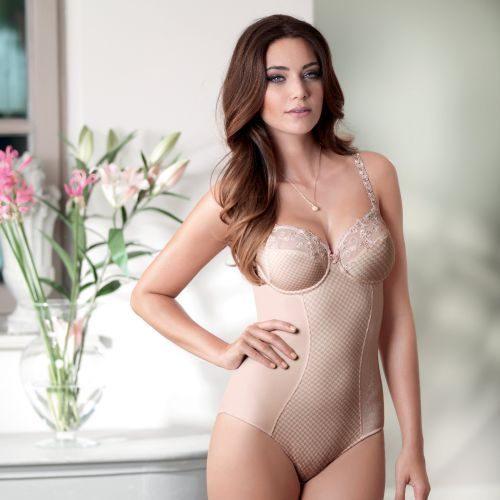 Rosa Faia 3474 body